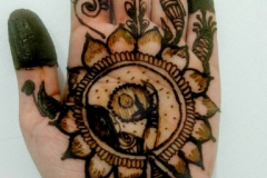 Simple Mehndi Designs-19